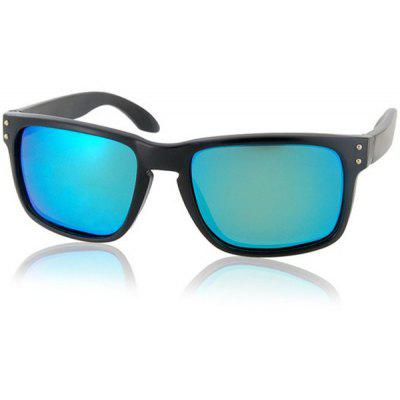 Fashion Sunglasses of Polarized Lens and Comfortable PC Frame
