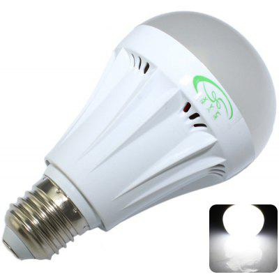 Buy COOL WHITE XinYiTong 7W E27 600LM 27xSMD 2835 LED Bulb Light Non Dimmable Bubble Ball Bulb 6500K for $3.33 in GearBest store