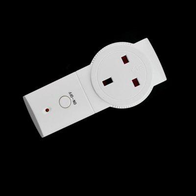 Power Socket Wireless Smart Switch with RC Function UK Plug  -  230V