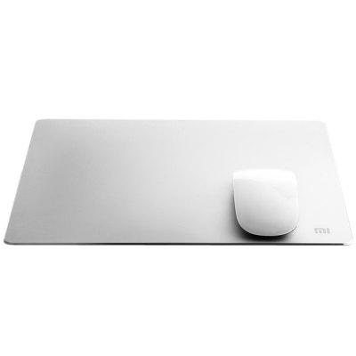 Original Xiaomi Metal Style Mouse PadMouse<br>Original Xiaomi Metal Style Mouse Pad<br><br>Brand: Xiaomi<br>Material: Aluminum Alloy<br>Package Contents: 1 x Original Xiaomi Mouse Pad<br>Package size (L x W x H): 26.00 x 32.00 x 3.00 cm / 10.24 x 12.6 x 1.18 inches<br>Package weight: 0.545 kg<br>Product size (L x W x H): 24.00 x 30.00 x 0.30 cm / 9.45 x 11.81 x 0.12 inches<br>Product weight: 0.130 kg