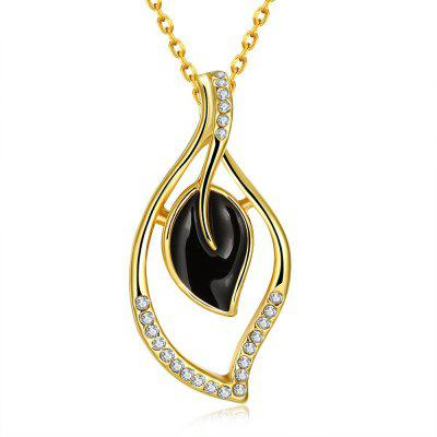 N920-A Gold Plated Hollow Out Leaf Pendant Necklace