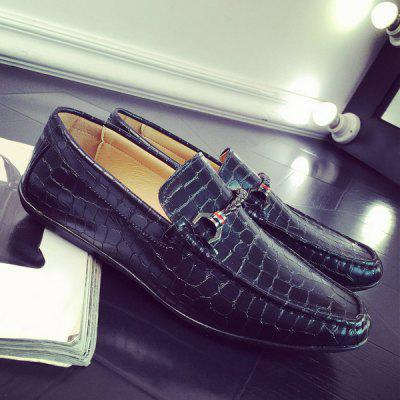 PU Leather Metal Embossing Casual Shoes