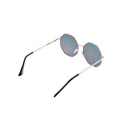 Geometric Statement Anti UV Sunglasses with BoxStylish Sunglasses<br>Geometric Statement Anti UV Sunglasses with Box<br><br>Frame Color: Gold<br>Frame Length: 13CM<br>Frame material: Other<br>Gender: For Women<br>Group: Adult<br>Lens height: 6CM<br>Lens material: Resin<br>Package Contents: 1 x Sunglasses 1 x Box<br>Shape: Oversized<br>Style: Fashion<br>Temple Length: 14.5CM<br>Weight: 0.1100kg