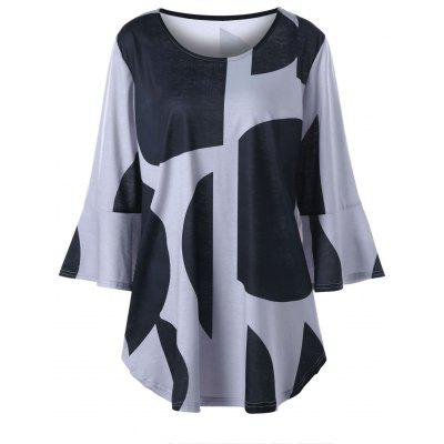 Plus Size Curved Flare Sleeve Top