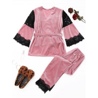 Velvet Lace Panel Pajamas SetPajamas<br>Velvet Lace Panel Pajamas Set<br><br>Fabric Type: Velour<br>Material: Polyester<br>Package Contents: 1 x Top  1 x Camisole  1 x Pants  1 x Belt<br>Pattern Type: Solid<br>Weight: 0.7200kg