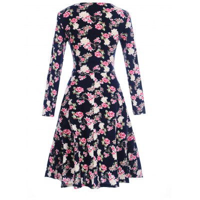 Long Sleeve Floral Surplice Shift DressWomens Dresses<br>Long Sleeve Floral Surplice Shift Dress<br><br>Dresses Length: Knee-Length<br>Material: Polyester, Spandex<br>Neckline: V-Neck<br>Package Contents: 1 x Dress<br>Pattern Type: Floral<br>Season: Spring, Fall<br>Silhouette: Shift<br>Sleeve Length: Long Sleeves<br>Style: Cute<br>Weight: 0.3200kg<br>With Belt: No