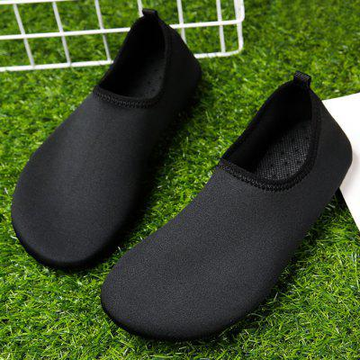 Quick-Dry Water Shoes Lightweight Aqua ShoesCasual Shoes<br>Quick-Dry Water Shoes Lightweight Aqua Shoes<br><br>Closure Type: Slip-On<br>Embellishment: None<br>Gender: For Men<br>Occasion: Casual<br>Outsole Material: Rubber<br>Package Contents: 1 x Aqua Shoes (pair)<br>Pattern Type: Solid<br>Sandals Style: Gladiator<br>Shoe Width: Medium(B/M)<br>Style: Fashion<br>Upper Material: Stretch Fabric<br>Weight: 1.1200kg