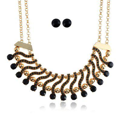 Layered Faux Gem Inlaid Necklace and Stud EarringsJewelry Sets<br>Layered Faux Gem Inlaid Necklace and Stud Earrings<br><br>Gender: For Women<br>Necklace Type: Link Chain<br>Package Contents: 1 x Necklace 1 x Stud Earrings (Pair)<br>Shape/Pattern: Bar,Round<br>Style: Trendy<br>Weight: 0.0800kg