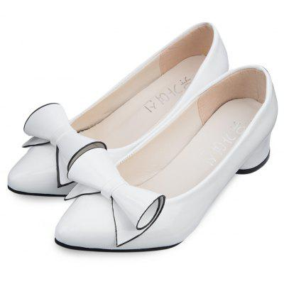 Stylish Pointed Toe Bowknot Low Heel Shoes for WomenWomens Sandals<br>Stylish Pointed Toe Bowknot Low Heel Shoes for Women<br><br>Embellishment: Bowknot<br>Heel Height Range: Low(0.75-1.5)<br>Heel Type: Low Heel<br>Occasion: Office &amp; Career<br>Outsole Material: Rubber<br>Package Contents: 1 x Pair of Women High Heel Shoes<br>Pumps Type: Basic<br>Season: Spring/Fall, Summer, Winter<br>Shoe Width: Medium(B/M)<br>Toe Shape: Pointed Toe<br>Toe Style: Closed Toe<br>Upper Material: PU<br>Weight: 0.3724kg