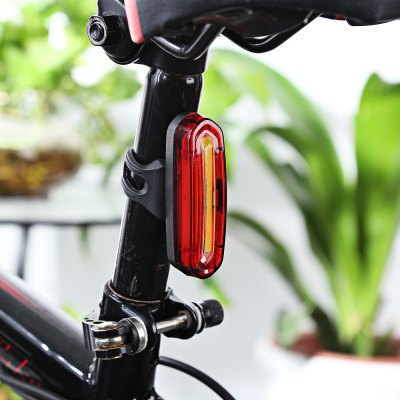 Rechargeable Bicycle Dual Color Flashlight Tail LightBike Lights<br>Rechargeable Bicycle Dual Color Flashlight Tail Light<br><br>Package Contents: 1 x  Bicycle Light, 1 x USB Cable<br>Package Size(L x W x H): 7.00 x 4.00 x 6.00 cm / 2.76 x 1.57 x 2.36 inches<br>Package weight: 0.0900 kg<br>Product weight: 0.0450 kg