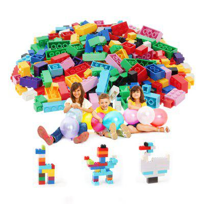 1000pcs DIY Building Blocks Particles Assembled Creative ToysBlock Toys<br>1000pcs DIY Building Blocks Particles Assembled Creative Toys<br><br>Age Range: &gt; 6 years old<br>Material: Plastic<br>Package Contents: 1000 x Building Block<br>Package Size(L x W x H): 36.00 x 25.00 x 10.00 cm / 14.17 x 9.84 x 3.94 inches<br>Package weight: 1.5000 kg<br>Product weight: 0.9100 kg