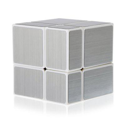 2 x 2 Mirror Blocks Magic CubeMagic Tricks<br>2 x 2 Mirror Blocks Magic Cube<br><br>Age: Above 3 year-old<br>Difficulty: 2x2x2<br>Material: ABS<br>Package Contents: 1 x Magic Cube, 1 x Chinese-English Manual<br>Package size (L x W x H): 6.00 x 6.00 x 6.00 cm / 2.36 x 2.36 x 2.36 inches<br>Package weight: 0.0910 kg<br>Product size (L x W x H): 5.70 x 5.70 x 5.70 cm / 2.24 x 2.24 x 2.24 inches<br>Product weight: 0.0710 kg<br>Type: Magic Cubes