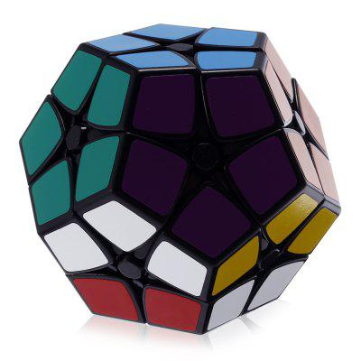 2 x 2 x 2 Megaminx Magic CubeMagic Tricks<br>2 x 2 x 2 Megaminx Magic Cube<br><br>Age: Above 6 year-old<br>Difficulty: 2x2x2<br>Material: ABS<br>Package Contents: 1 x Magic Cube<br>Package size (L x W x H): 8.40 x 7.20 x 7.20 cm / 3.31 x 2.83 x 2.83 inches<br>Package weight: 0.1800 kg<br>Product weight: 0.1420 kg<br>Type: Magic Cubes
