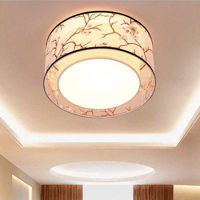 Chinese Style Iron Ceiling Light 220VFlush Ceiling Lights<br>Chinese Style Iron Ceiling Light 220V<br><br>Features: Round Shape<br>Illumination Field: 10 - 15sqm<br>Package Contents: 1 x Ceiling Light, 1 x Set of Install Accessory<br>Package size (L x W x H): 55.00 x 55.00 x 30.00 cm / 21.65 x 21.65 x 11.81 inches<br>Package weight: 5.0400 kg<br>Product weight: 4.0000 kg<br>Sheathing Material: Cloth<br>Type: Ceiling Lights<br>Voltage (V): 220V