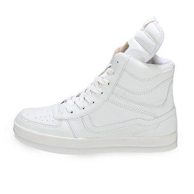 High Top Fashion Casual Skateboarding Shoes for MenMen's Sneakers<br>High Top Fashion Casual Skateboarding Shoes for Men<br><br>Contents: 1 x Pair of Shoes<br>Materials: Mesh, PU, Rubber<br>Outsole Material: Rubber<br>Package Size ( L x W x H ): 31.00 x 25.00 x 11.00 cm / 12.2 x 9.84 x 4.33 inches<br>Package Weights: 1.15kg<br>Type: Skateboarding Shoes<br>Upper Material: PU