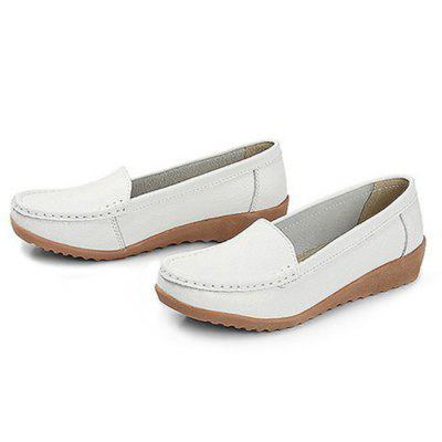 Comfortable TPR Soles Casual Shoes for WomenWomens Sneakers<br>Comfortable TPR Soles Casual Shoes for Women<br><br>Closure Type: Slip-On<br>Contents: 1 x Pair of Shoes<br>Materials: Genuine Leather, TPR<br>Occasion: Casual<br>Outsole Material: TPR<br>Package Size ( L x W x H ): 25.00 x 18.00 x 11.00 cm / 9.84 x 7.09 x 4.33 inches<br>Package Weights: 0.62kg<br>Seasons: Autumn,Spring,Summer<br>Style: Leisure, Casual<br>Type: Flat Shoes<br>Upper Material: Genuine Leather