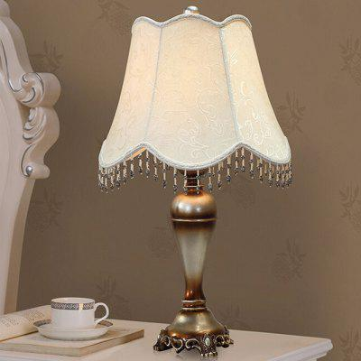 American Retro Style LED Table Lamp 220VTable Lamps<br>American Retro Style LED Table Lamp 220V<br><br>Available Color: Beige, Beige<br>Material: Alloy, Fabric, Alloy, Resin, Fabric, Resin<br>Package Contents: 1 x Light, 1 x Assembly Parts, 1 x Light, 1 x Assembly Parts<br>Package size (L x W x H): 43.00 x 43.00 x 65.00 cm / 16.93 x 16.93 x 25.59 inches, 43.00 x 43.00 x 65.00 cm / 16.93 x 16.93 x 25.59 inches<br>Package weight: 4.5200 kg, 4.5200 kg<br>Powered Source: USB<br>Product size (L x W x H): 33.00 x 33.00 x 60.00 cm / 12.99 x 12.99 x 23.62 inches, 33.00 x 33.00 x 60.00 cm / 12.99 x 12.99 x 23.62 inches<br>Product weight: 3.5000 kg, 3.5000 kg<br>Suitable for: Home use, Home Decoration, Home Decoration, Home use