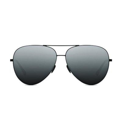 Xiaomi Polarized Pilot SunglassesMens Sunglasses<br>Xiaomi Polarized Pilot Sunglasses<br><br>Brand: Xiaomi<br>Frame material: Stainless Steel<br>Functions: Windproof, UV Protection, Fashion, Dustproof<br>Gender: For Unisex<br>Lens material: TAC<br>Package Contents: 1 x Sunglasses, 1 x Sunglasses Box<br>Package size (L x W x H): 17.00 x 9.00 x 7.00 cm / 6.69 x 3.54 x 2.76 inches<br>Package weight: 0.2500 kg<br>Product weight: 0.0190 kg
