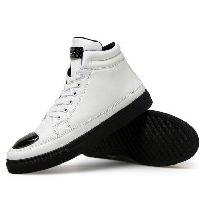 Male Casual Soft Anti Slip Medium Top Leather BootsCasual Shoes<br>Male Casual Soft Anti Slip Medium Top Leather Boots<br><br>Closure Type: Lace-Up<br>Contents: 1 x Pair of Shoes<br>Function: Slip Resistant<br>Materials: Rubber, Leather<br>Occasion: Tea Party, Shopping, Outdoor Clothing, Holiday, Daily, Casual, Party<br>Outsole Material: Rubber<br>Package Size ( L x W x H ): 33.00 x 24.00 x 13.00 cm / 12.99 x 9.45 x 5.12 inches<br>Package Weights: 0.92kg<br>Pattern Type: Solid<br>Seasons: Autumn,Spring<br>Style: Modern, Leisure, Fashion, Comfortable, Casual<br>Toe Shape: Round Toe<br>Type: Boots<br>Upper Material: Leather