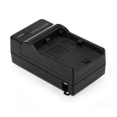 LP - E6 Single Battery Charger for Video / Digital CameraBattery &amp; Charger<br>LP - E6 Single Battery Charger for Video / Digital Camera<br><br>Package Contents: 1 x Battery Charger<br>Package size (L x W x H): 13.50 x 6.00 x 5.00 cm / 5.31 x 2.36 x 1.97 inches<br>Package weight: 0.0920 kg<br>Product size (L x W x H): 8.50 x 4.50 x 3.70 cm / 3.35 x 1.77 x 1.46 inches<br>Product weight: 0.0620 kg