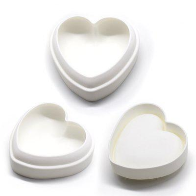 DIY Baking Utensil Heart Shape Dessert Cake MouldBaking &amp; Pastry Tools<br>DIY Baking Utensil Heart Shape Dessert Cake Mould<br><br> Product weight: 0.1140 kg<br>Material: Silicone<br>Package Contents: 1 x Mould<br>Package size (L x W x H): 18.00 x 18.00 x 6.00 cm / 7.09 x 7.09 x 2.36 inches<br>Package weight: 0.2140 kg<br>Product size (L x W x H): 16.00 x 16.00 x 5.00 cm / 6.3 x 6.3 x 1.97 inches<br>Type: Bakeware