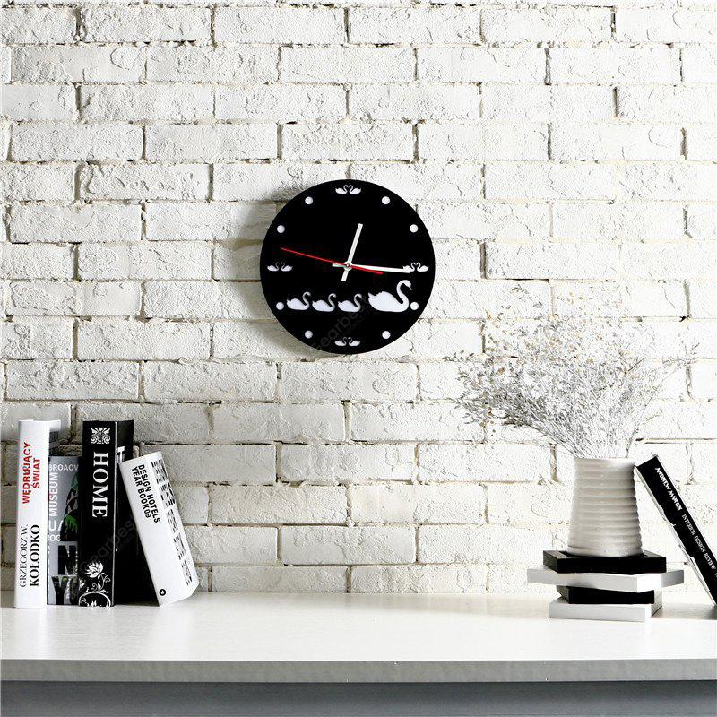 M.Sparkling Simple Cartoon Swan Pattern Acrylique Wall Clock