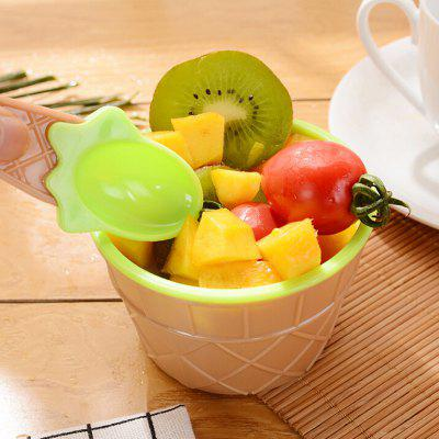 Double Plastic Ice Cream Bowl for KidsSoft Clay &amp; Tools<br>Double Plastic Ice Cream Bowl for Kids<br><br>Age Range: &gt; 3 years old<br>Materials: Plastic<br>Package Content: 1 x Set of Kids Tableware<br>Package Dimension: 8.00 x 5.00 x 8.00 cm / 3.15 x 1.97 x 3.15 inches<br>Package Weights: 0.07500KG<br>Product Dimension: 6.20 x 4.30 x 6.20 cm / 2.44 x 1.69 x 2.44 inches<br>Products Type: Kids Tableware