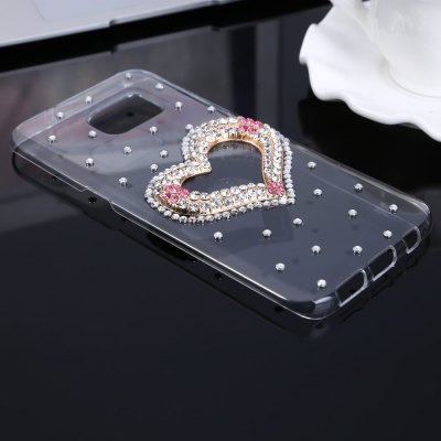 Practical Phone Back Case Protector for Samsung Galaxy S7 EdgeSamsung S Series<br>Practical Phone Back Case Protector for Samsung Galaxy S7 Edge<br><br>Color: Transparent<br>Features: Anti-knock, Jewel Covered Cases, Back Cover<br>Material: PC<br>Package Contents: 1 x Case<br>Package size (L x W x H): 21.00 x 12.00 x 2.00 cm / 8.27 x 4.72 x 0.79 inches<br>Package weight: 0.061 kg<br>Product size (L x W x H): 15.40 x 7.50 x 1.40 cm / 6.06 x 2.95 x 0.55 inches<br>Product weight: 0.027 kg<br>Style: Diamond Look, Transparent