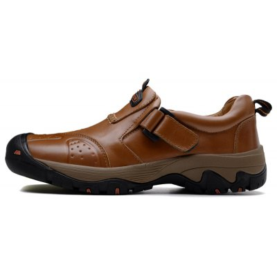 Outdoor Casual Slip-on Genuine Leather Sneakers for MenMen's Sneakers<br>Outdoor Casual Slip-on Genuine Leather Sneakers for Men<br><br>Contents: 1 x Pair of Shoes<br>Function: Slip Resistant<br>Lining Material: Cotton Fabric<br>Materials: Genuine Leather, MD, Rubber<br>Outsole Material: MD,Rubber<br>Package Size ( L x W x H ): 31.00 x 20.00 x 16.00 cm / 12.2 x 7.87 x 6.3 inches<br>Type: Sports Shoes<br>Upper Material: Genuine Leather