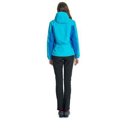 Polar Fire Functional Outdoor Spliced JacketJackets &amp; Coats<br>Polar Fire Functional Outdoor Spliced Jacket<br><br>Activity: Outdoor Lifestyle<br>Features: Wear Resistant, Windproof, Breathable, Keep Warm<br>Gender: Women<br>Material: Polyester Fiber, Nylon<br>Package Content: 1 x Outdoor Jacket<br>Package size: 40.00 x 56.00 x 0.50 cm / 15.75 x 22.05 x 0.2 inches<br>Package weight: 1.0860 kg<br>Product weight: 1.0560 kg