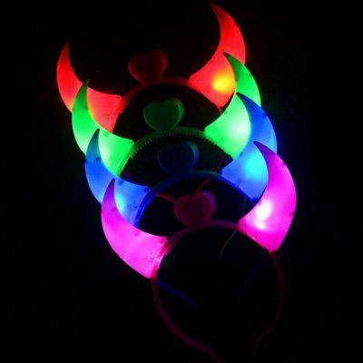 Hair Band Ox Horn Pattern with LED LightsNovelty Toys<br>Hair Band Ox Horn Pattern with LED Lights<br><br>Features: Battery Powered<br>Package Contents: 1 x Hair Band<br>Package size (L x W x H): 20.00 x 18.00 x 2.00 cm / 7.87 x 7.09 x 0.79 inches<br>Package weight: 0.0620 kg<br>Product size (L x W x H): 18.00 x 17.00 x 1.00 cm / 7.09 x 6.69 x 0.39 inches<br>Product weight: 0.0600 kg