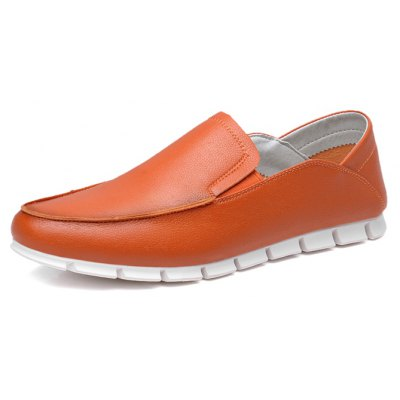 Male Business Soft Toothed Soled Flat Casual Leather ShoesCasual Shoes<br>Male Business Soft Toothed Soled Flat Casual Leather Shoes<br><br>Closure Type: Slip-On<br>Contents: 1 x Pair of Shoes, 1 x Box<br>Function: Slip Resistant<br>Materials: Rubber, Microfiber<br>Occasion: Tea Party, Shopping, Office, Holiday, Party, Casual, Daily, Dress<br>Outsole Material: Rubber<br>Package Size ( L x W x H ): 30.00 x 18.00 x 12.00 cm / 11.81 x 7.09 x 4.72 inches<br>Package Weights: 0.80kg<br>Pattern Type: Solid<br>Seasons: Autumn,Spring<br>Style: Modern, Leisure, Fashion, Comfortable, Casual, Business<br>Toe Shape: Round Toe<br>Type: Casual Leather Shoes<br>Upper Material: Microfiber