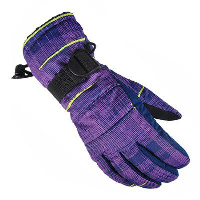 Pair of Unisex Windproof Warm-keeping GlovesCycling Gloves<br>Pair of Unisex Windproof Warm-keeping Gloves<br><br>Gender: Unisex<br>Material: Cotton, Nylon<br>Package Contents: 1 x Pair of Gloves<br>Package size (L x W x H): 14.00 x 14.00 x 3.00 cm / 5.51 x 5.51 x 1.18 inches<br>Package weight: 0.2100 kg<br>Product size (L x W x H): 27.00 x 11.00 x 6.00 cm / 10.63 x 4.33 x 2.36 inches<br>Product weight: 0.2000 kg<br>Size: M<br>Style Design: Full Finger