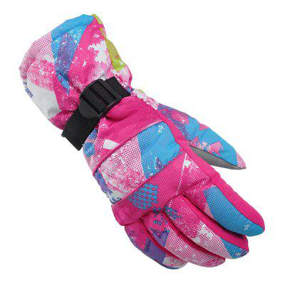 Pair of Full-finger Windproof Warm-keeping GlovesCycling Gloves<br>Pair of Full-finger Windproof Warm-keeping Gloves<br><br>Gender: Unisex<br>Material: Cotton, Nylon<br>Package Contents: 1 x Pair of Gloves<br>Package size (L x W x H): 14.00 x 14.00 x 3.00 cm / 5.51 x 5.51 x 1.18 inches<br>Package weight: 0.2100 kg<br>Product size (L x W x H): 27.00 x 11.00 x 4.00 cm / 10.63 x 4.33 x 1.57 inches<br>Product weight: 0.2000 kg<br>Size: S<br>Style Design: Full Finger