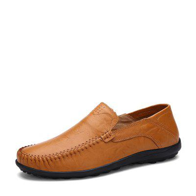 Solid Hand-crafted Breathable Doug Shoes for MenMen's Oxford<br>Solid Hand-crafted Breathable Doug Shoes for Men<br><br>Closure Type: Slip-On<br>Contents: 1 x Pair of Shoes<br>Function: Slip Resistant<br>Materials: Rubber, Leather<br>Outsole Material: Rubber<br>Package Size ( L x W x H ): 33.00 x 24.00 x 12.00 cm / 12.99 x 9.45 x 4.72 inches<br>Package Weights: 0.72kg<br>Pattern Type: Solid<br>Seasons: Autumn,Spring<br>Style: Casual<br>Type: Modern<br>Upper Material: Leather