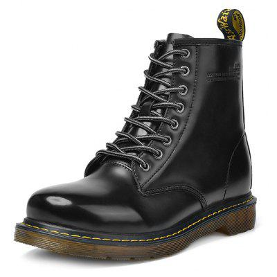 Male Classic Lustrous High Top Casual Martin BootsMens Boots<br>Male Classic Lustrous High Top Casual Martin Boots<br><br>Closure Type: Lace-Up<br>Contents: 1 x Pair of Shoes, 1 x Box<br>Function: Slip Resistant<br>Materials: Rubber, Patent Leather<br>Occasion: Tea Party, Shopping, Riding, Rainy Day, Outdoor Clothing, Casual, Party, Daily, Dress, Holiday, Office<br>Outsole Material: Rubber<br>Package Size ( L x W x H ): 32.00 x 21.00 x 15.00 cm / 12.6 x 8.27 x 5.91 inches<br>Package Weights: 0.82kg<br>Seasons: Autumn,Spring<br>Style: Modern, Leisure, Fashion, Comfortable, Casual<br>Toe Shape: Round Toe<br>Type: Boots<br>Upper Material: Patent Leather