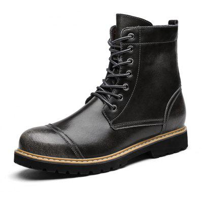 Male Classic Soft Brush-off Warmest High-top Martin BootsMens Boots<br>Male Classic Soft Brush-off Warmest High-top Martin Boots<br><br>Closure Type: Lace-Up<br>Contents: 1 x Pair of Shoes, 1 x Box, 1 x Dustproof Paper<br>Function: Slip Resistant<br>Materials: Rubber, Leather<br>Occasion: Tea Party, Shopping, Riding, Rainy Day, Party, Office, Casual, Daily, Dress, Formal, Holiday, Outdoor Clothing<br>Outsole Material: Rubber<br>Package Size ( L x W x H ): 33.00 x 24.00 x 13.00 cm / 12.99 x 9.45 x 5.12 inches<br>Package Weights: 1.10kg<br>Pattern Type: Solid<br>Seasons: Autumn,Winter<br>Style: Formal, Leisure, Modern, Fashion, Comfortable, Business, Casual<br>Toe Shape: Round Toe<br>Type: Boots<br>Upper Material: Leather