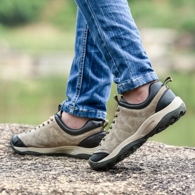 Male Outdoor Soft Ultralight Breathable Hiking SneakersAthletic Shoes<br>Male Outdoor Soft Ultralight Breathable Hiking Sneakers<br><br>Closure Type: Lace-Up<br>Contents: 1 x Pair of Shoes, 1 x Box<br>Function: Slip Resistant<br>Materials: Pigskin, Rubber, MD<br>Occasion: Sports, Shopping, Riding, Outdoor Clothing, Holiday, Daily, Casual, Running<br>Outsole Material: MD,Rubber<br>Package Size ( L x W x H ): 31.00 x 20.00 x 13.00 cm / 12.2 x 7.87 x 5.12 inches<br>Package Weights: 1.10kg<br>Seasons: Autumn,Spring<br>Style: Modern, Leisure, Fashion, Comfortable, Casual<br>Toe Shape: Round Toe<br>Type: Sports Shoes<br>Upper Material: Pigskin