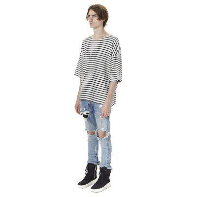 HZIJUE Male Loose Casual Stripes T-shirtMens Short Sleeve Tees<br>HZIJUE Male Loose Casual Stripes T-shirt<br><br>Brand: HZIJUE<br>Neckline: Round Collar<br>Package Content: 1 x T-shirt<br>Package size: 40.00 x 30.00 x 20.00 cm / 15.75 x 11.81 x 7.87 inches<br>Package weight: 0.2500 kg<br>Product weight: 0.2300 kg<br>Season: Autumn, Summer<br>Sleeve Length: Short Sleeves