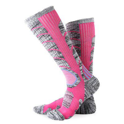 Pair of Winter Skiing Female Knee High Cape Long SocksSocks<br>Pair of Winter Skiing Female Knee High Cape Long Socks<br><br>Available Size: 22 - 25cm<br>Gender: Women<br>Package Content: 1 x Pair of Socks<br>Package size: 16.00 x 8.00 x 6.00 cm / 6.3 x 3.15 x 2.36 inches<br>Package weight: 0.1050 kg<br>Product size: 40.00 x 6.00 x 1.00 cm / 15.75 x 2.36 x 0.39 inches<br>Product weight: 0.0950 kg<br>Type: Stockings