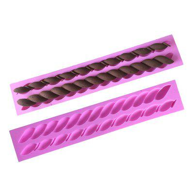 Facemile Silicone Spiral Cake Mold Chocolate Bakery ToolBaking &amp; Pastry Tools<br>Facemile Silicone Spiral Cake Mold Chocolate Bakery Tool<br><br>Brand: Facemile<br>Material: Silicone<br>Package Contents: 1 x Cake Mold<br>Package size (L x W x H): 24.00 x 5.50 x 3.40 cm / 9.45 x 2.17 x 1.34 inches<br>Package weight: 0.1100 kg<br>Product size (L x W x H): 22.90 x 4.50 x 1.30 cm / 9.02 x 1.77 x 0.51 inches<br>Product weight: 0.1000 kg<br>Type: Bakeware