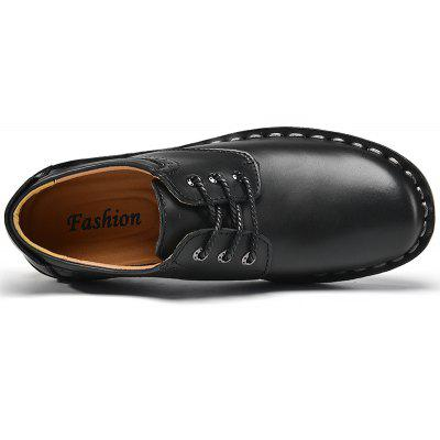 Comfortable Lace-up Leather Casual ShoesMen's Oxford<br>Comfortable Lace-up Leather Casual Shoes<br><br>Closure Type: Lace-Up<br>Contents: 1 x Pair of Shoes<br>Materials: Leather, Rubber<br>Occasion: Office, Holiday, Daily, Casual<br>Outsole Material: Rubber<br>Package Size ( L x W x H ): 33.00 x 24.00 x 13.00 cm / 12.99 x 9.45 x 5.12 inches<br>Package weight: 1.0000 kg<br>Product weight: 0.8000 kg<br>Seasons: Autumn,Spring,Summer,Winter<br>Style: Leisure, Comfortable, Casual<br>Type: Casual Leather Shoes<br>Upper Material: Leather