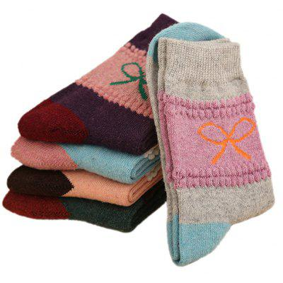 5 Paired Women Thicken Socks with Butterfly Knot PatternWomens Socks &amp; Hosieries<br>5 Paired Women Thicken Socks with Butterfly Knot Pattern<br><br>Contents: 5 x Pair of Socks<br>Gender: Women<br>Package size (L x W x H): 24.00 x 4.00 x 8.00 cm / 9.45 x 1.57 x 3.15 inches<br>Package weight: 0.0210 kg<br>Product weight: 0.0200 kg<br>Style: Fashion<br>Type: Socks