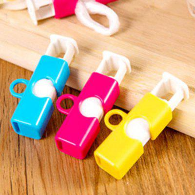 Fresh Food Snack Bread Bag Sealing Clip Sealer 3pcsClips<br>Fresh Food Snack Bread Bag Sealing Clip Sealer 3pcs<br><br>Functions: Home, Kitchen, Living Room, Travel<br>Materials: Plastic<br>Package Contents: 3 x Clip<br>Package Size(L x W x H): 6.00 x 8.50 x 2.00 cm / 2.36 x 3.35 x 0.79 inches<br>Package weight: 0.0550 kg<br>Product weight: 0.0350 kg<br>Types: Clips