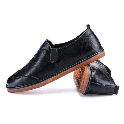 Male British Style Handcrafted Casual ShoesFlats &amp; Loafers<br>Male British Style Handcrafted Casual Shoes<br><br>Closure Type: Slip-On<br>Contents: 1 x Pair of Shoes, 1 x Box<br>Function: Slip Resistant<br>Materials: Rubber, Microfiber Leather<br>Outsole Material: Rubber<br>Package Size ( L x W x H ): 31.00 x 21.00 x 12.00 cm / 12.2 x 8.27 x 4.72 inches<br>Package weight: 0.8500 kg<br>Product weight: 0.7500 kg<br>Seasons: Autumn,Spring<br>Style: Leisure<br>Toe Shape: Round Toe<br>Type: Casual Leather Shoes<br>Upper Material: Microfiber Leather