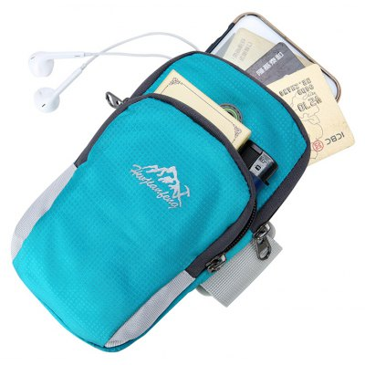 Sports Wear-resistant Wrist BagCoin Purses&amp;Holders<br>Sports Wear-resistant Wrist Bag<br><br>Features: Wearable<br>Gender: Men<br>Material: Nylon<br>Package Size(L x W x H): 10.00 x 4.00 x 18.00 cm / 3.94 x 1.57 x 7.09 inches<br>Package weight: 0.1100 kg<br>Packing List: 1 x Bag<br>Product Size(L x W x H): 10.00 x 5.00 x 18.00 cm / 3.94 x 1.97 x 7.09 inches<br>Product weight: 0.1000 kg<br>Style: Casual<br>Type: Waist Bag