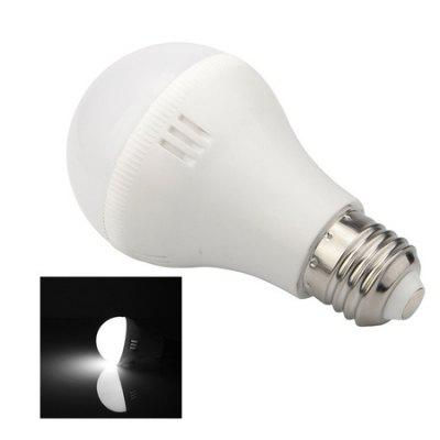 E27 7W LED Ultra Bright Home Use BulbGlobe bulbs<br>E27 7W LED Ultra Bright Home Use Bulb<br><br>Angle: 120 degree<br>Available Light Color: Warm White,White<br>Emitter Types: SMD 5730<br>Features: Energy Saving, Non-dimmable<br>Function: Home Lighting<br>Holder: E27<br>Output Power: 7W<br>Package Contents: 1 x Ball Bulb<br>Package size (L x W x H): 5.50 x 5.50 x 11.50 cm / 2.17 x 2.17 x 4.53 inches<br>Package weight: 0.1130 kg<br>Product size (L x W x H): 5.00 x 5.00 x 11.00 cm / 1.97 x 1.97 x 4.33 inches<br>Product weight: 0.0880 kg<br>Sheathing Material: PC<br>Type: Ball Bulbs<br>Voltage (V): AC 220