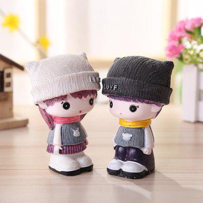 Cute Cartoon Couple Desktop Decorations 2PCSCrafts<br>Cute Cartoon Couple Desktop Decorations 2PCS<br><br>Material: Resin<br>Package Contents: 1 x Pair of Resin Decoration<br>Package size (L x W x H): 10.00 x 12.00 x 12.00 cm / 3.94 x 4.72 x 4.72 inches<br>Package weight: 0.2600 kg<br>Product weight: 0.2400 kg<br>Subjects: Cartoon<br>Usage: Others