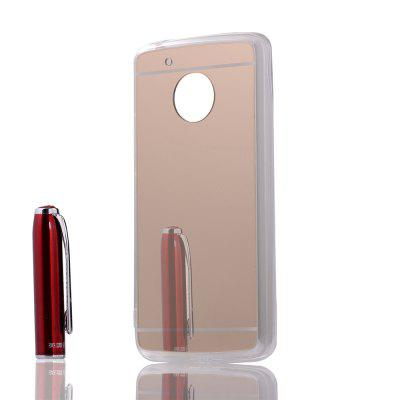 Fashionable Simple Phone Cover Case for Moto G5Cases &amp; Leather<br>Fashionable Simple Phone Cover Case for Moto G5<br><br>Features: Back Cover<br>Mainly Compatible with: Moto<br>Material: PC, TPU<br>Package Contents: 1 x Cover Case<br>Package size (L x W x H): 15.60 x 8.60 x 1.90 cm / 6.14 x 3.39 x 0.75 inches<br>Package weight: 0.0190 kg<br>Product Size(L x W x H): 14.60 x 7.60 x 0.90 cm / 5.75 x 2.99 x 0.35 inches<br>Product weight: 0.0190 kg<br>Style: Modern