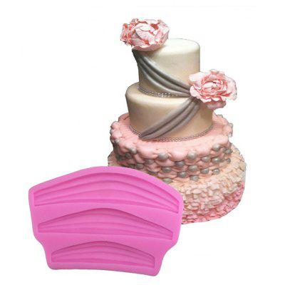 Aya Ribbon Lace Cake Molds for Baking